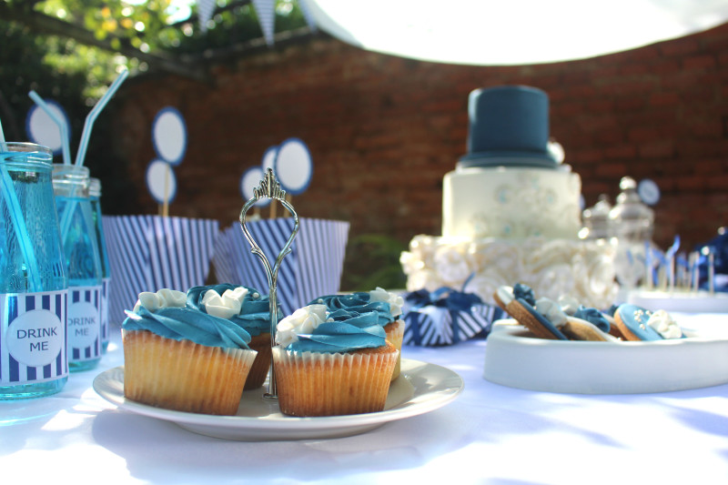 sweet-table-blue