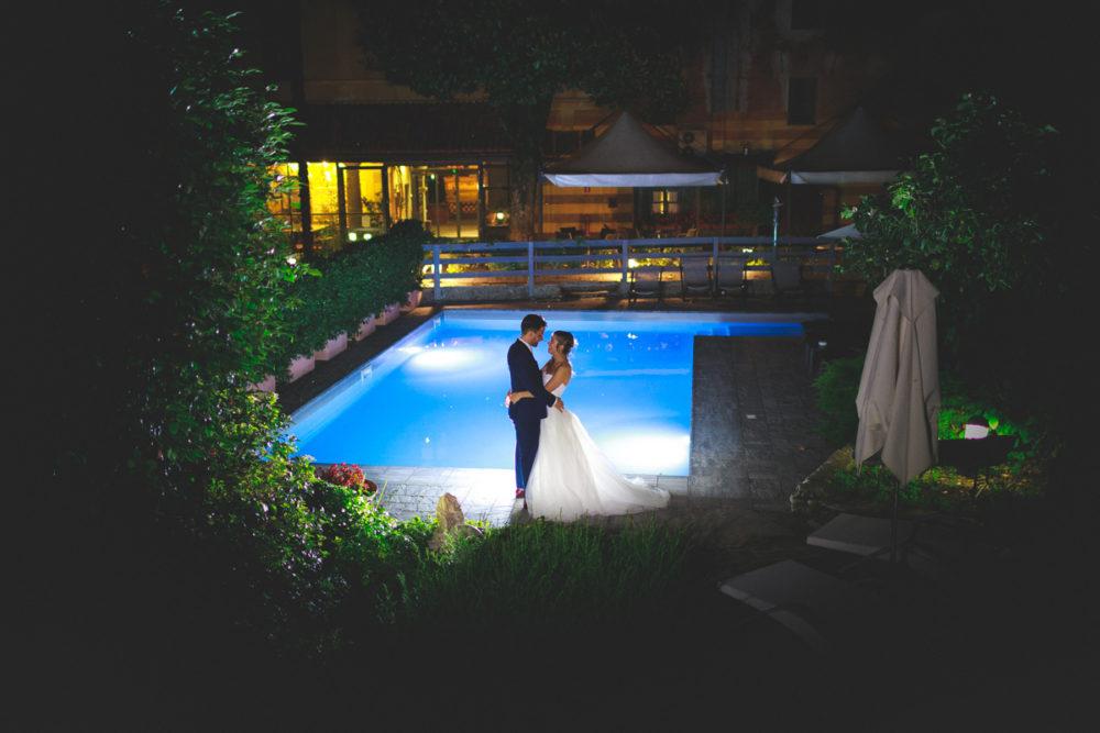 Come allestire spazio piscina matrimonio