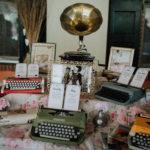 Tableau sposi macchine da scrivere tema musica