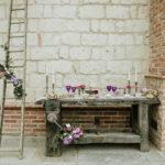 fiori viola matrimonio allestimento rustico