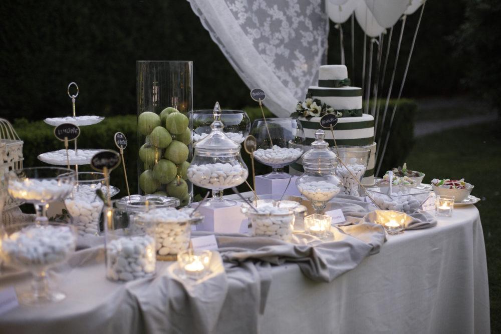 Idee per allestire tavolo confettata matrimonio