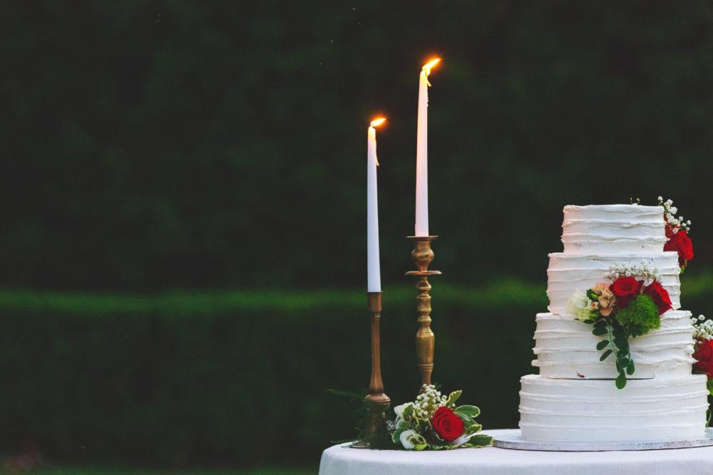 Allestimento tavolo torta nuziale