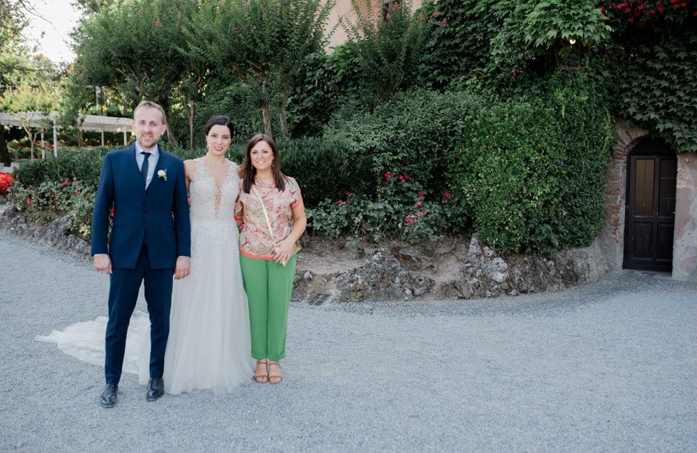 sposi con wedding planner Sposami oggi matrimonio collina Piemonte