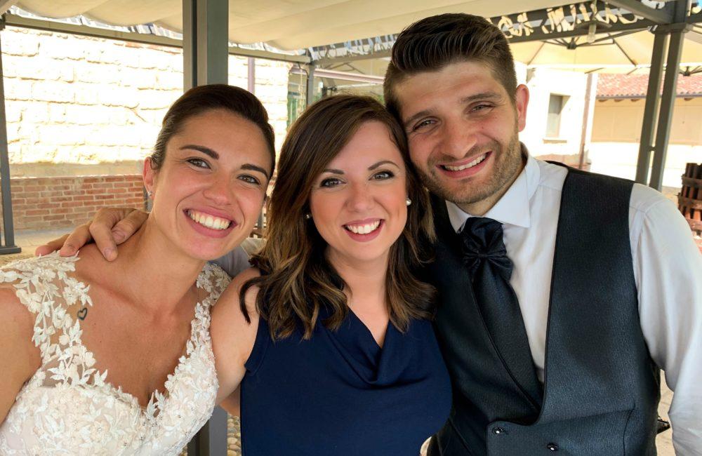 sposi con wedding planner Sposami oggi matrimonio collina Monferrato